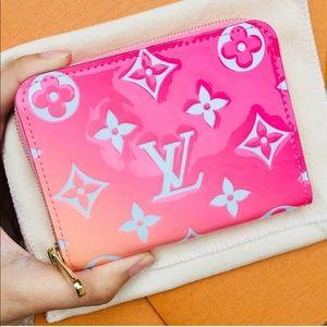 Louis Vuitton zippy wallet coin purse